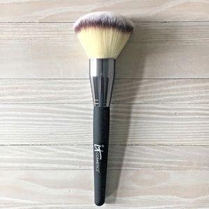 Heavenly Luxe Jumbo Powder Brush by It Cosmetics